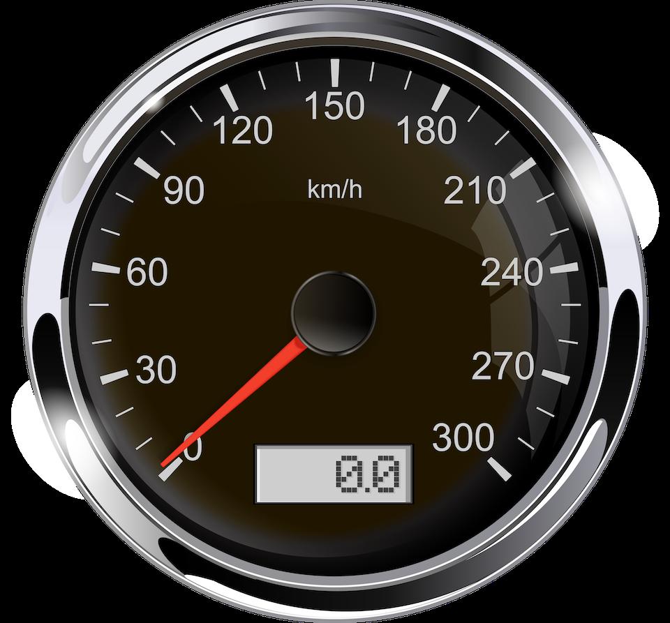 Стрелка спидометра указывает скорость