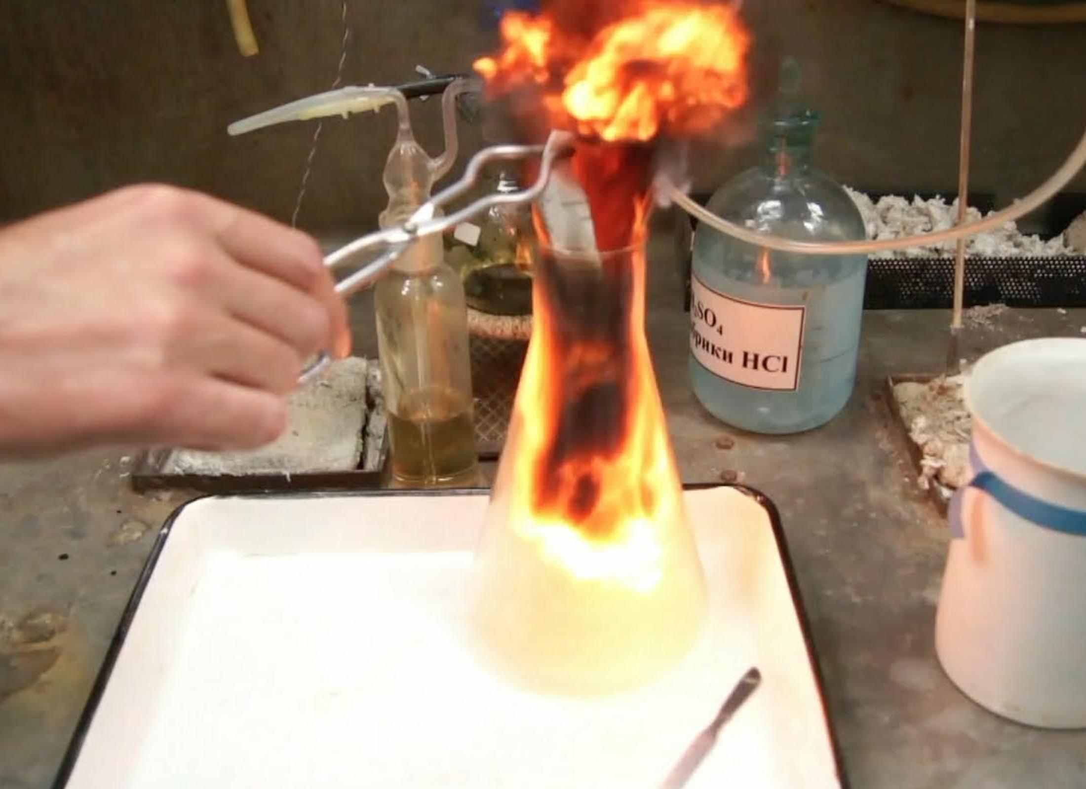 реакция горения алюминия в броме
